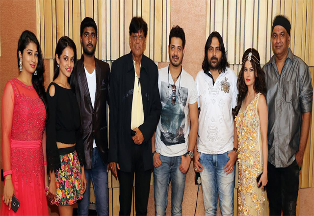 muhurat-of-the-emotinal-marathi-film-valay