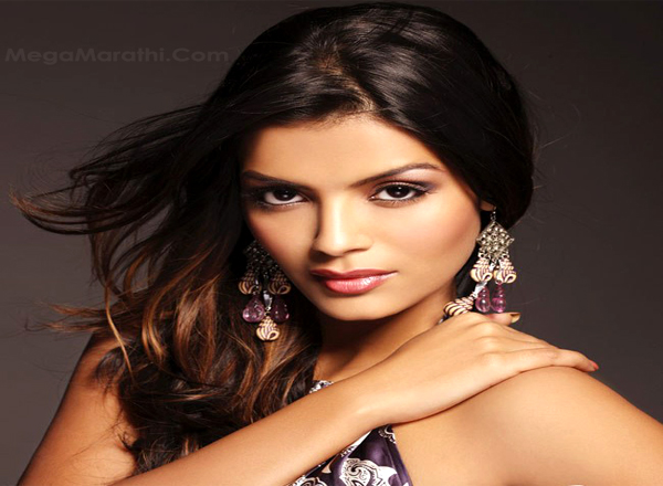 a-kingfisher-calendar-girl-sonali-ventures-into-marathi-films