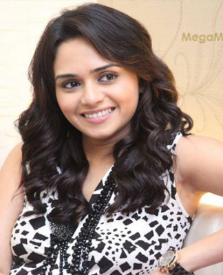 Amruta Khanvilkar Marathi Actress Biography