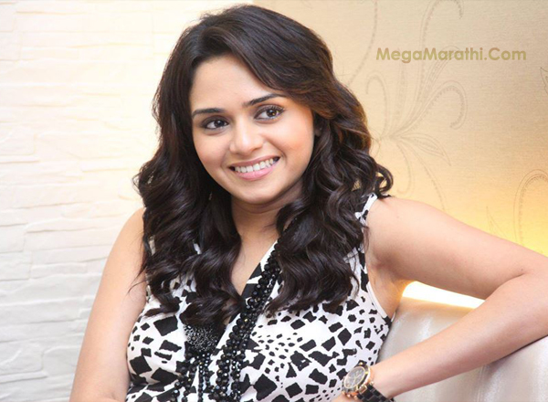 Amruta Khanvilkar Marathi Actress Biography