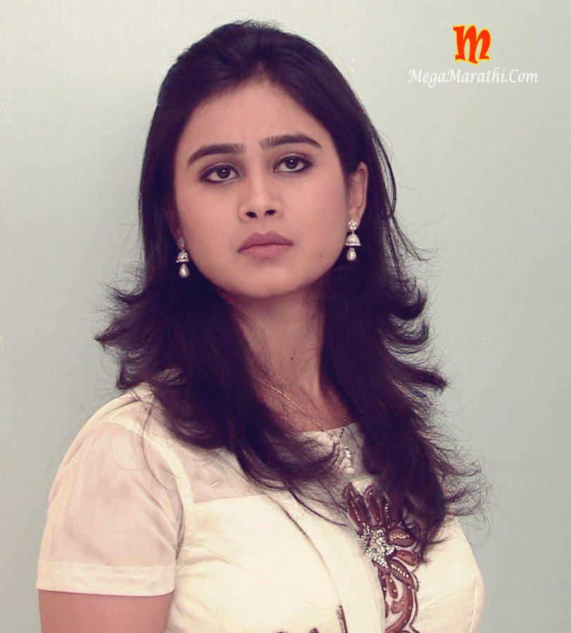 Mrunal dusanis marathi actress biography hd photos wallapers mrunal dusanis marathi actress shamika thecheapjerseys Images