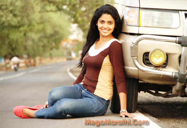 Pooja Sawant actress Hot Photos Collection Featured