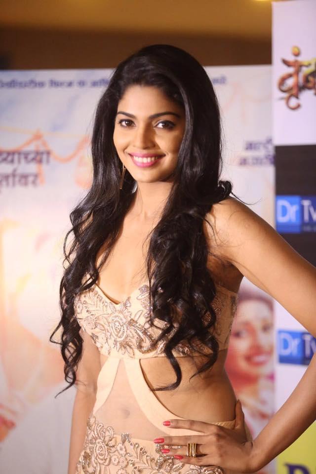 Akshaya Deodhar Marathi Actress Photos Bio Wiki Anjali Tujhyat Jiv Rangala
