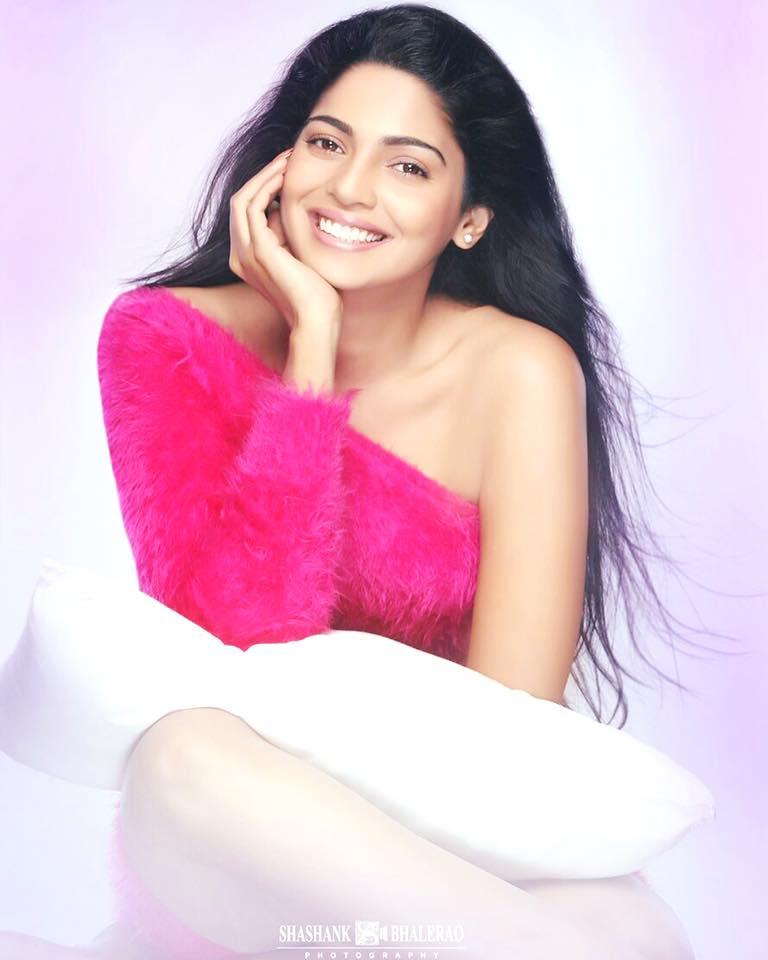 Pooja sawant marathi actress biography hd hot photos images wiki pooja sawant marathi actress hot hd photos thecheapjerseys Choice Image