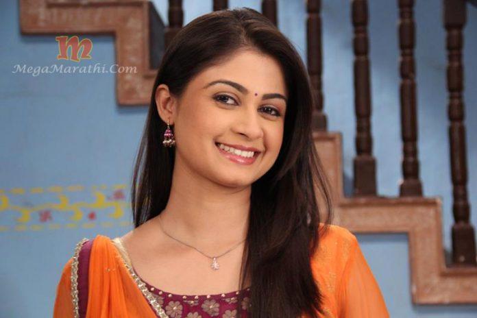 Ruchi Savarn Mohan Marathi Actress Biography Photos