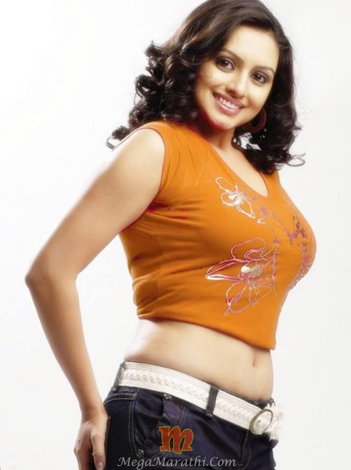 Shruti marathe marathi actress biography photos images pics shruti marathe hot photoss thecheapjerseys Choice Image