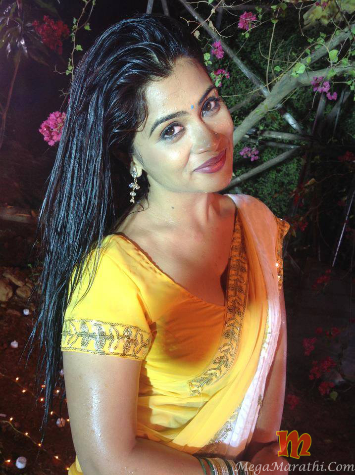 Ruchita jadhav marathi actress photos images pics age hot wiki ruchita jadhav hot photos thecheapjerseys Choice Image