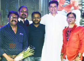 Aniket Vishwasrao's 'Tu Tithe Asave' Marathi Movie Muhurat !