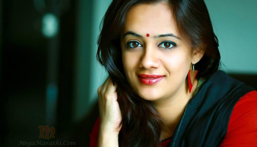Spruha joshi marathi actress photo bio images wiki age marriage hd hot spruha joshi marathi actress biography thecheapjerseys Choice Image