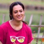 Spruha Joshi On T Shirt
