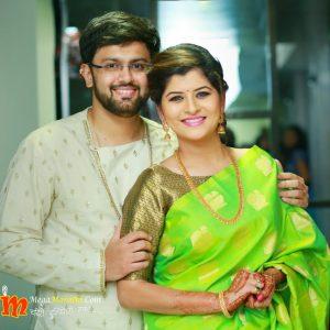Singer Savaniee Ravindra Got Engaged With Dr. Ashish Dhande.
