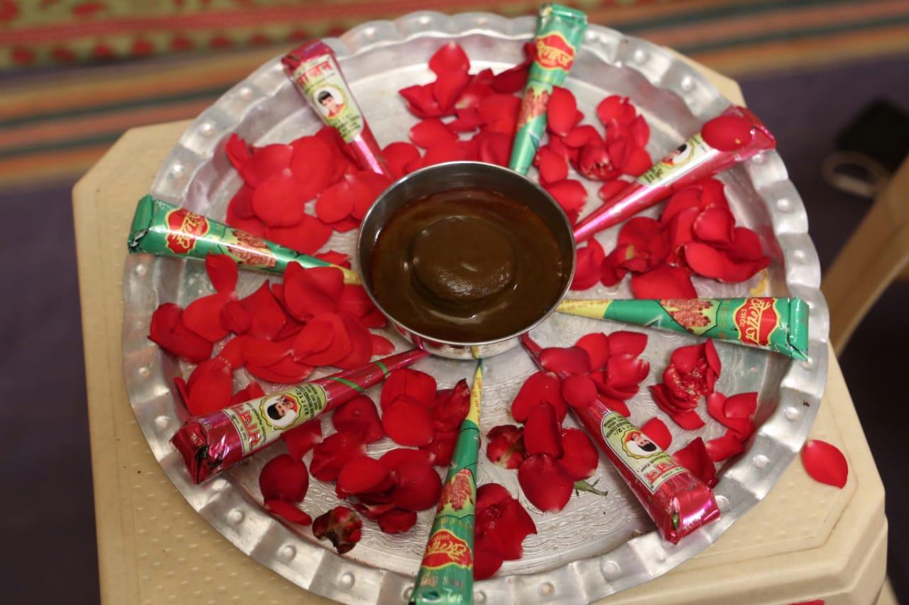 Anushree and Siddharth Marriage Mehendi Photo images He man